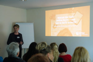 Anne-Kathrin Liebthal leitet einen Workshop beim 2. Tourismustag im Lausitzer Seenland